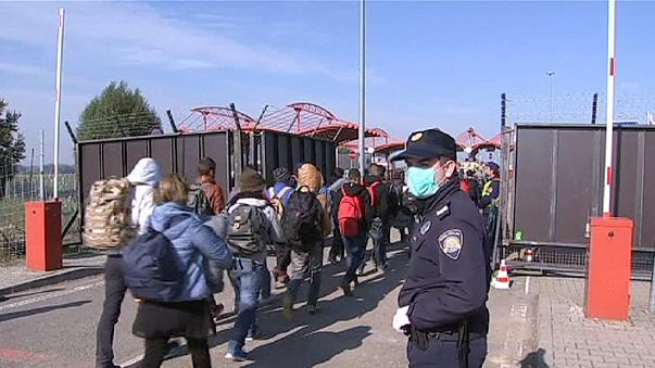 Grenzzaun Ungarn - Kroatien unmittelbar vor Fertigstellung