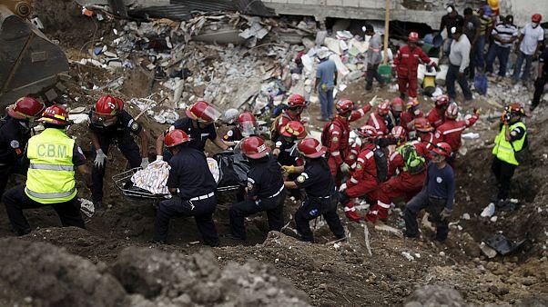 Túlélők után kutatnak Guatemalában