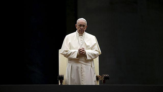 Vatikan 'evliliğin faydalarını' görüşmek için toplanıyor