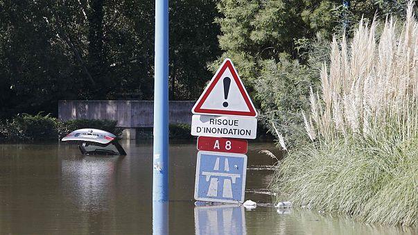 Президент Франции пообещал помочь пострадавшим от наводнения