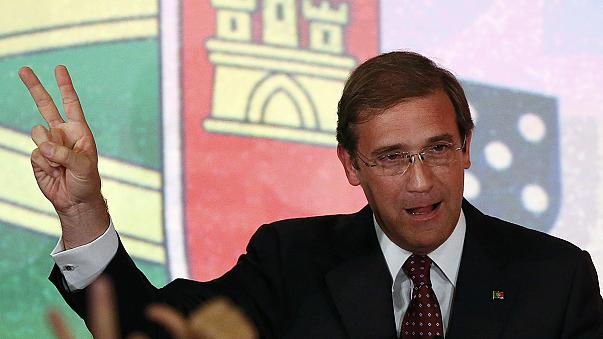 Portugal: Passos Coelho e Paulo Portas perdem votos mas vencem eleições