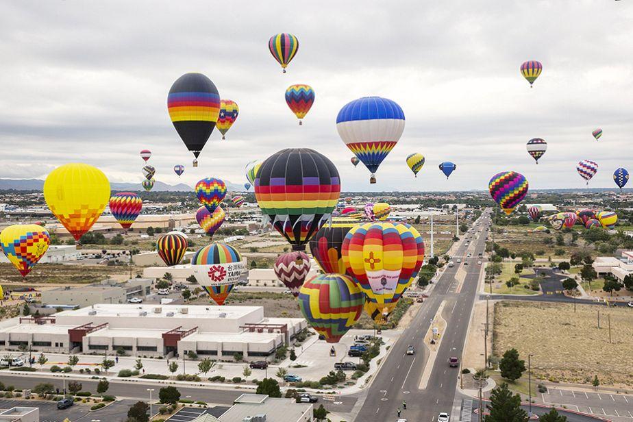Un ciel constellé de montgolfières à Albuquerque