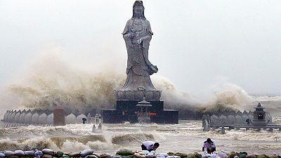 Tufão Mujigae fustiga China
