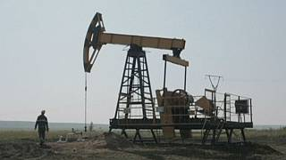 Russia 'ready to meet' other oil producers over market trouble