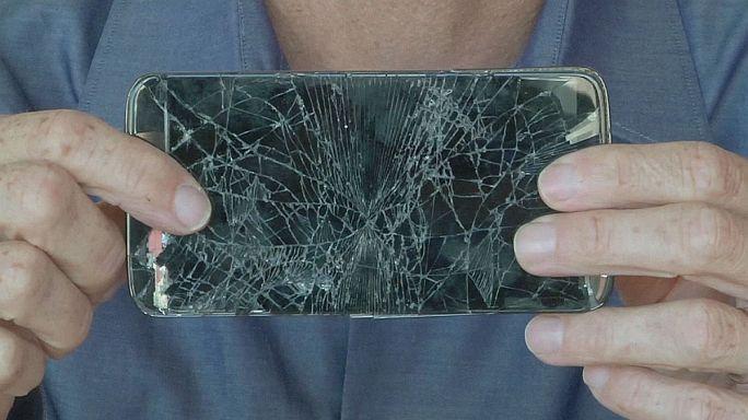 بحوث لإبتكار شاشات هواتف ذكية أكثر صلابة