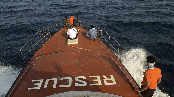 Megtalálták a belföldi repülőjárat roncsait Indonéziában