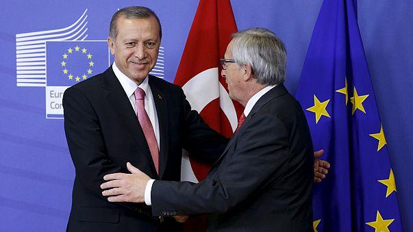 ازمة المهاجرين في صلب مباحثات الرئيس التركي أثناء لقائه بالمسؤولين الأوروبيين في بروكسل