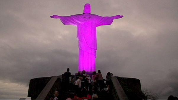 Brasil: el Cristo Rendentor se viste de rosa para luchar contra el cáncer de mama
