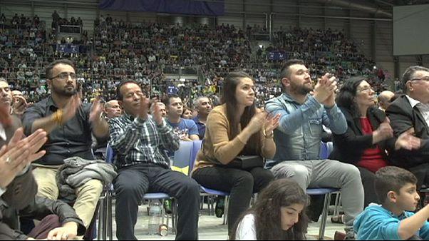 """Turquia: Partido pró-curdo HDP """"à caça"""" de votos de emigrantes na Alemanha"""