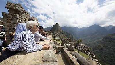 FMI revê em baixa perspetivas de crescimento da economia global