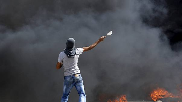 Violence intensifies between Palestinians and Israeli security forces