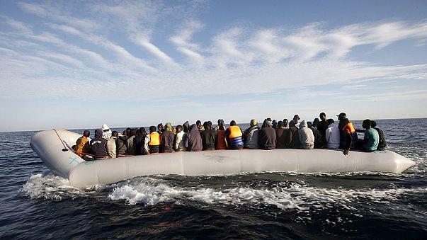 La Guardia Costera italiana socorre a un millar de personas en dificultad en las costas libias