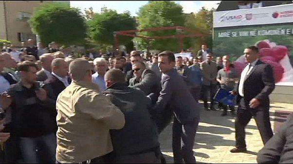 رشق رئيس وزراء كوسوفو بالبيض