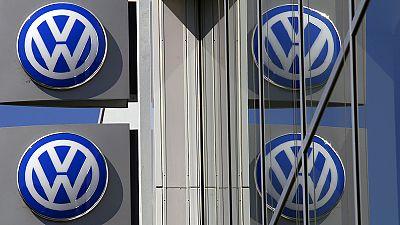 Moteurs Volkswagen truqués: le rappel des véhicules devrait commencer en janvier