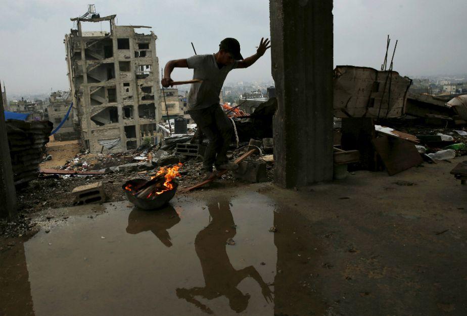 Par une journée pluvieuse et froide à Gaza