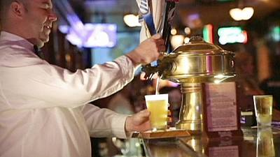 Fusão das duas maiores cervejeiras do mundo... sem gás!