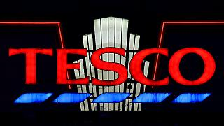 Discounter Aldi und Lidl beharken britischen Konkurrenten Tesco