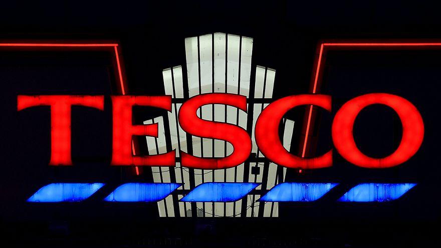 Tesco gana la mitad menos en su primer semestre por la rivalidad de las marcas blancas en el Reino Unido