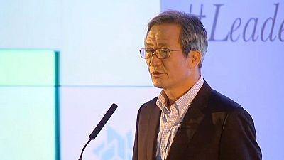 El candidato a la presidencia de la FIFA Chung Mong-joon quiere denunciar a Joseph Blatter