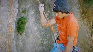 Un gouffre, un alpiniste, un exploit