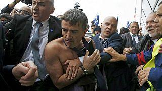 Protestolar Air France'ı türbülansa soktu