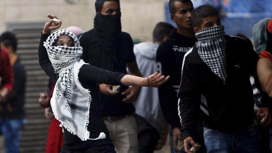 في المواجهات بين الفلسطينيين والقوات الإسرائييلية