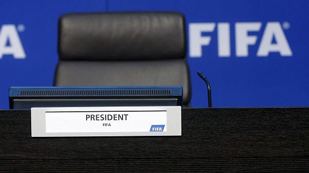 """""""Sepp Blatter'in FIFA başkanlığı 90 gün süreyle askıya alındı"""""""