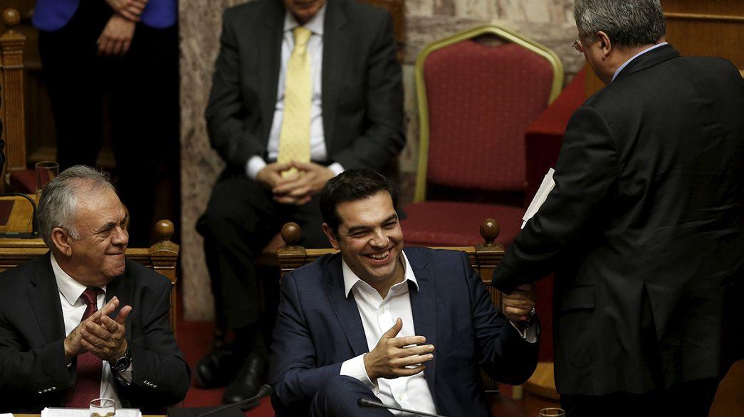 Alexis Tsipras consigue la confianza del Parlamento para su segundo Ejecutivo en 8 meses