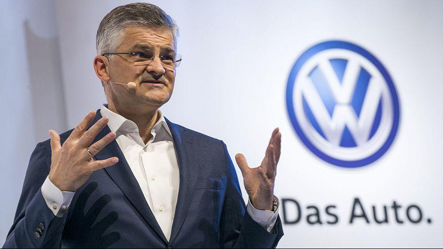 Прямой эфир: выступление главы американского подразделения Volkswagen в конгрессе США