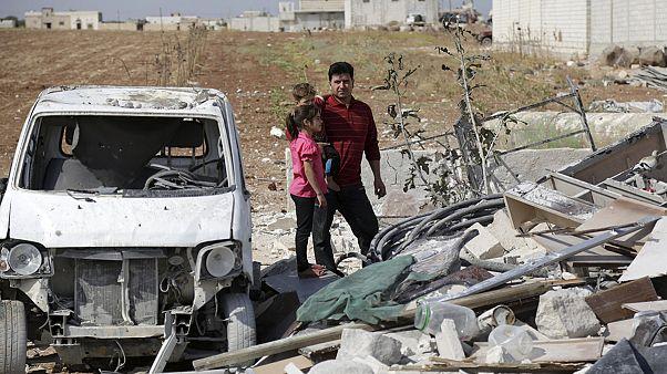 Exército de Assad lança ofensiva terrestre no noroeste da Síria