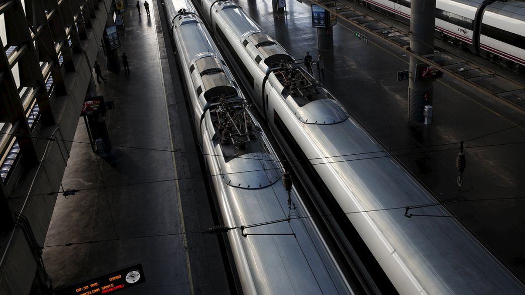 Roubo de fibra ótica paralisa comboios na Catalunha