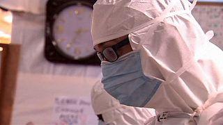 Még mindig kimutatható az ebola vírusa a skót nővér testében