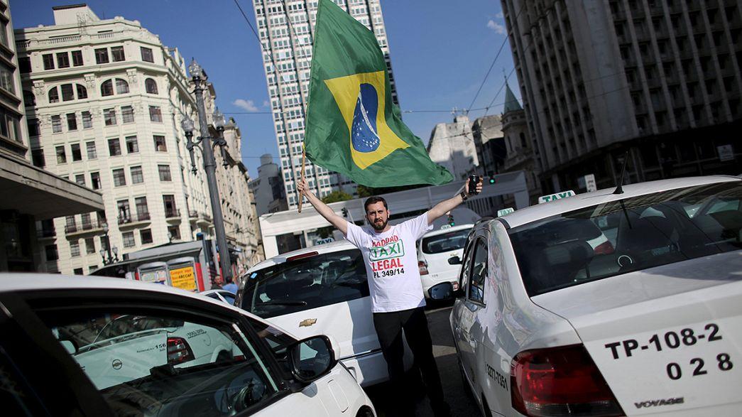 Sao Paulo establece una reglamentación exclusiva de taxis a partir de aplicaciones, que Uber no acepta