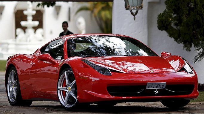 Ferrari New York Borsası'na girerken değer kazandı