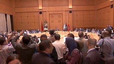Líbia: Proposta de governo de unidade têm o apoio do controverso homem forte do petróleo