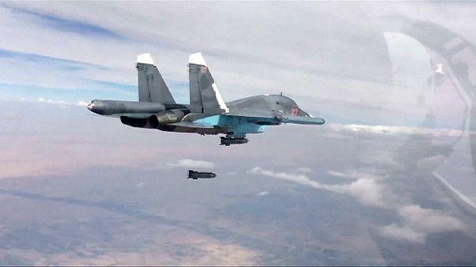 Les raids russes profitent à l'Etat islamique qui dit être aux portes d'Alep