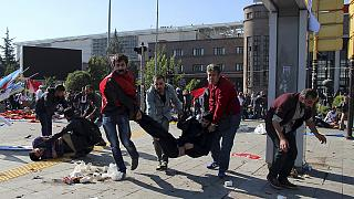 Turquia: Dupla explosão vitima dezenas durante marcha pró-curda em Ancara