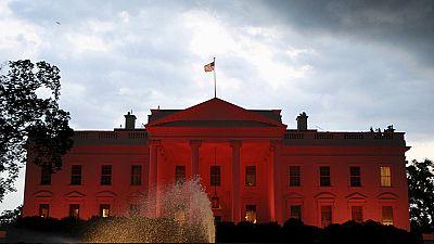 البيت الأبيض يتحول إلى البيت الوردي