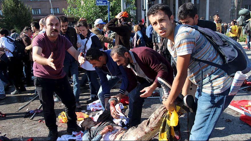 Doppia esplosione uccide decine di persone ad Ankara