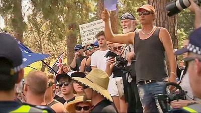 Mehrere hundert Menschen demonstrieren gegen Moscheebau in Australien