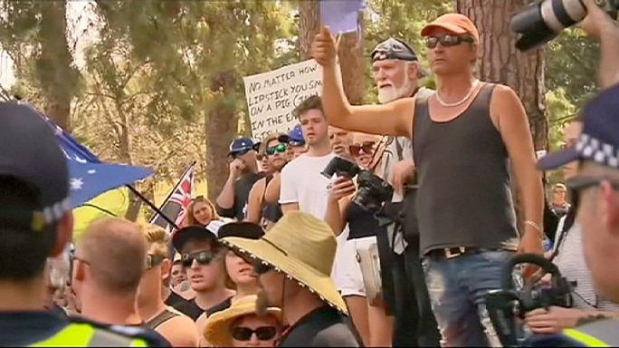 Mecsetépítés ellen tüntettek Ausztráliában