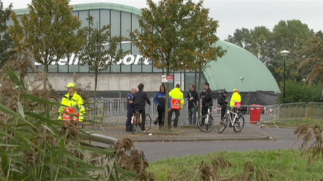 Holanda: Polícia detém autores de ataque a centro de refugiados