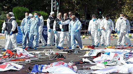 Tres días de luto nacional en Turquía tras la masacre durante una marcha por la paz en Ankara