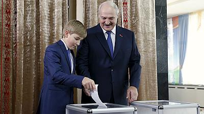 Belarus election: Strongman Lukashenko poised for fifth presidential term