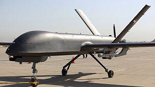 Irakische Luftwaffe will Konvoi von IS-Chef getroffen haben