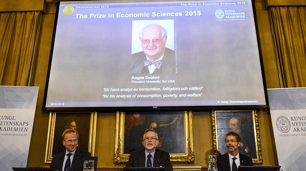 Le prix Nobel d'économie remis à l'Ecossais Angus Deaton