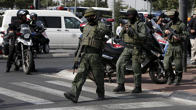 Palestinian knife attacker shot dead by Israeli forces