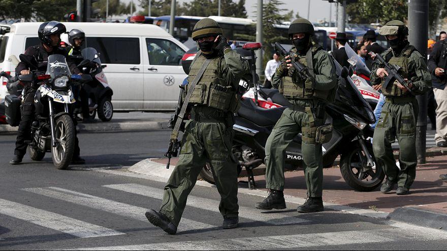 Palestinian knife attacker shot dead by Israeli forces