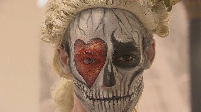 Lewis Caroll inspira a los artistas de body painting en Londres