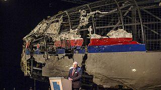 """هولندا: طائرة """"آم إيتش """"17 الماليزية تحطمتْ في شرق أوكرانيا بصاروخ روسي الصنع"""